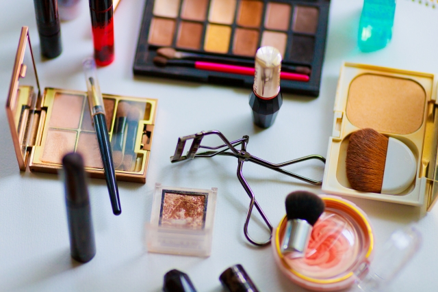 (ウェビナーのご案内)香粧品ウェビナーを開催します。「 化粧品の製造・販売における 関係法令と品質管理のポイント」